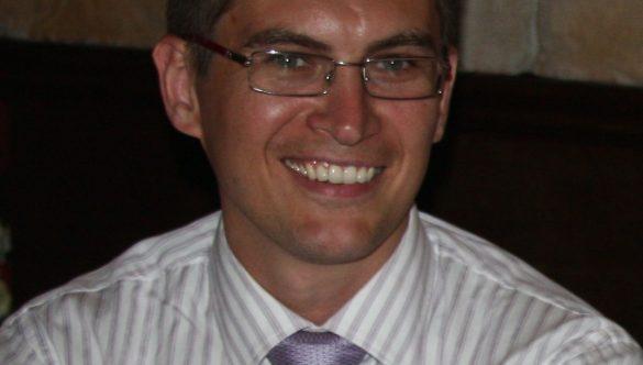 Dr. Lukasz M. Skomial